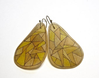"Faceted orange ""fin"" earrings"