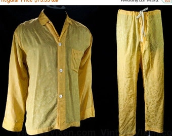 1940s Large Men's Pajama Set - Chivalry - Knights in Armor - Camelot - Cold Rayon Novelty Brocade - Mens 40s Pajamas - Chest 44 45043