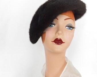Womans fur hat, vintage beaver fur tilt, 1960s