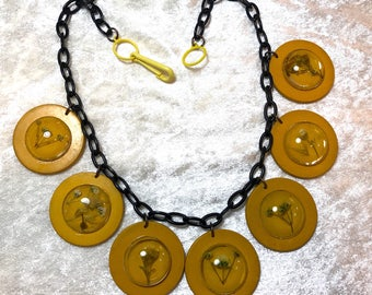 Vintage style early plastic, acrylic and flowers necklace