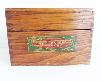 Gold Medal Flour Advertising Recipe Box, Vintage Oak Dovetailed Card File Box for Recipes, 3 x 5 Index Card Office File Box
