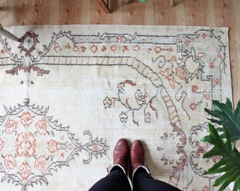 "vintage Turkish rug, rustic faded ivory rug, happy worn floral bohemian rug,  8'3"" x 4'10"""