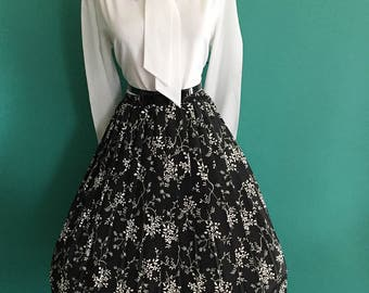 VINTAGE Black and White Floral  Accordion Swing Style Pleated Full Skirt