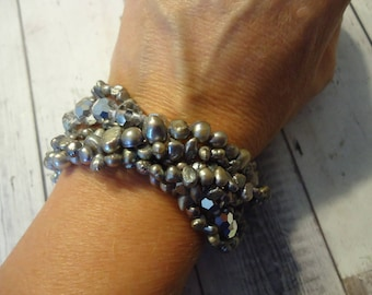 Freshwater Pearl and Faceted Glass Beaded 7 Strand Gray Bracelet w/ Silver Tone Magnetic Slide Clasp