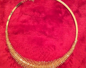 Necklace gold tone costume jewelry