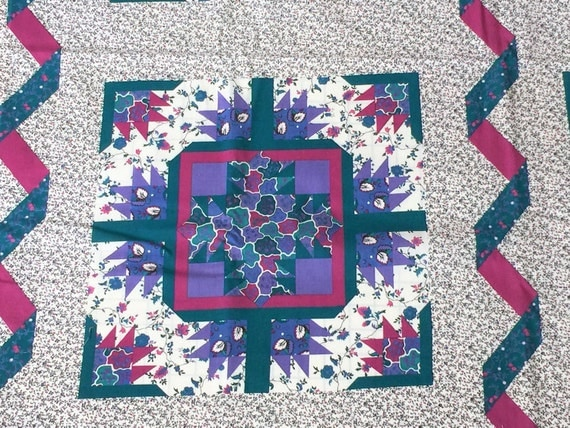 Vintage Ozark Calico Fabri Quilt Cotton Cheater Quilt