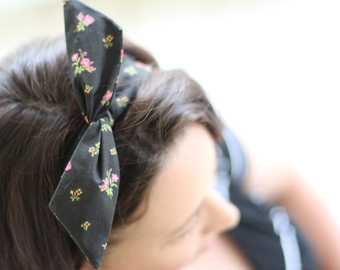 Headband Black with Pink Flowers Dolly Bow Wire Headband Rockabilly Pin Up Hair 40s 50s Flexible Bendable Accessory for Teens Women Girls