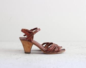 Vintage Strappy Sandals . 1940s 40s Womens Shoes . Retro Brown Leather Heels