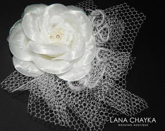 White Camellia Bridal Hair Clip Wedding Flower Hair Fascinator Floral Headpiece Wedding Hair Clip White Floral Bridal Hair Accessories