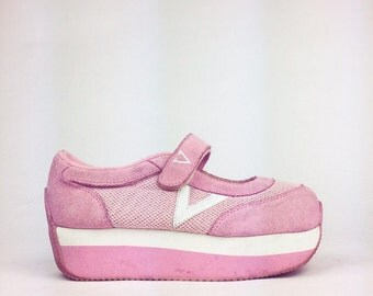 90's Pink Suede Sporty Spice Platform Sneakers // 7.5