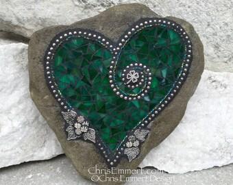Mosaic Heart, Shamrock Green Heart, Mosaic Rock, Garden Stone, Home Decor, Gardener Gift, Garden Decor,