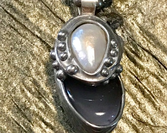 Blue chalcedony and pearl petite pendant