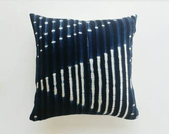 Vintage African Pillow Cover - Indigo Mudcloth Pillow - Modern Eclectic Decor