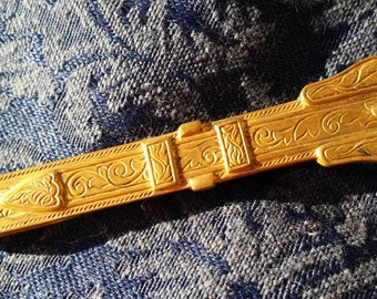 NICE Victorian revival Goldtone Tie Bar by Manleigh VINTAGE