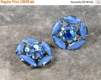 ON SALE Vintage Weiss Signed Earrings, Blue Art Glass Stones with AB Blue Rhinestone Centers, There Gorgeous and Very hard to find