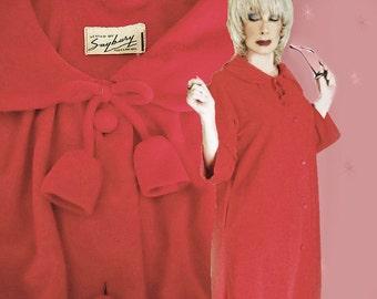 Vintage Red Holiday Robe -1960s Festive Warm Fleece Bath Robe - Christmas Season Red HouseCoat