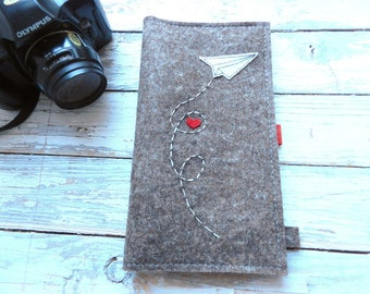 Long Passport Documents travel Wallet with paper airplane and heart