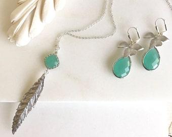 Boho Style Wedding Jewelry Set. Long Aqua Bridal Necklace and Earrings with Silver Feather. Boho Wedding Jewelry.