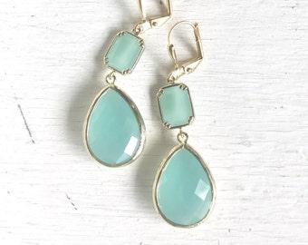 Bridal Jewelry. Aqua Dangle Earrings in Gold. Bridesmaid Earrings. Dangle Earrings. Drop Earrings. Wedding Jewelry. Bridal. Gift.