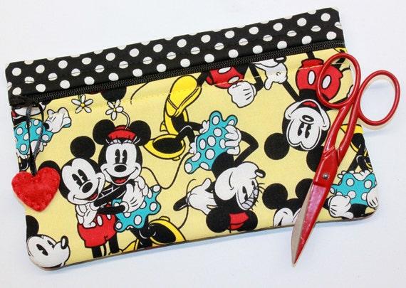 Side Kick Mickey & Minnie Togetherness