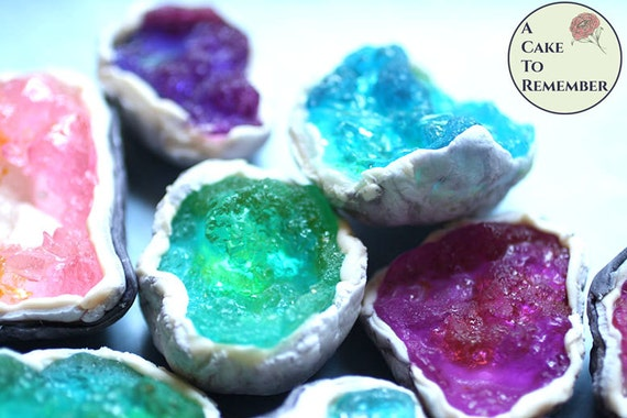 12 Geode cake and cupcake toppers edible geodes by ...