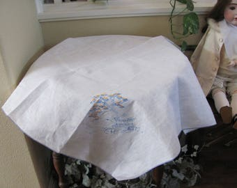 """Table Linens Vintage Handmade Embroidered Linen Cotton Tablecloth - 33"""" Square (#125)"""