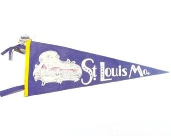 Vintage Souvenir Felt Pennant, 1940s St. Louis Missouri Union Station Pennant