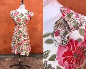 Vintage 1940s 1950s cotton Floral Day Dress. fit and Flare dress. 3D flowers with rhinestones Medium Large