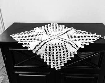 Vintage White Square Crocheted Doily, Vintage Doily, Square Doily, Vintage Decor, Home Decor Vintage