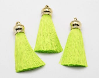 2 pcs Nylon Tassel Silk Tassel Big Pendant Decorations, with Golden Tone Findings, GreenYellow.