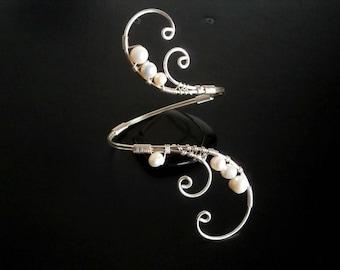 White Pearl bracelet, Wire Cuff Bracelet, Arm cuff, Spiral Arm Band, Arm Bangle, Silver bracelet, Wire jewelry