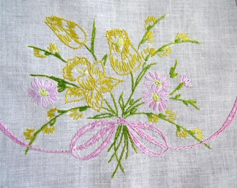 Vintage Embroidered Floral Dresser Scarf - Yellow Daffodils Lavender Daisies -Table Runner - Vintage Table Linens - Fabric Arts Crafts