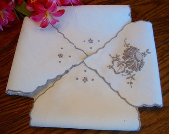 Madeira Biscuit Cover Linen Bread Basket Liner Buns and Rolls Doily