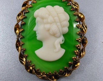 Vintage 1940's West Germany Art Glass Cameo