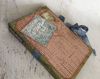 Scrapbook Envelope Minibook, minialbum, cardstock, in kraft, blue, red, green and cream, Holds 8 premade tags and up to 30 photos
