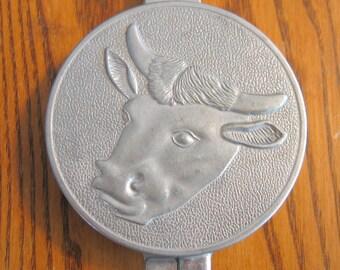 Vintage HAMBURGER PRESS made of textured/embossed Aluminum with Steer portrait