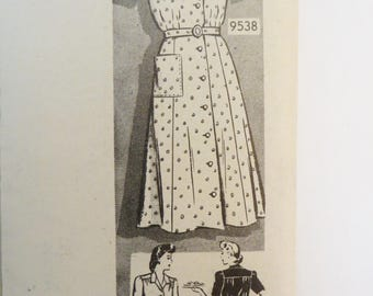 Vintage 40s Dress Pattern, Marian Martin 9538, Shirtwaist Dress, Long or Short Sleeves, Mail Order Unprinted Pattern, WW2 , Size Bust 42