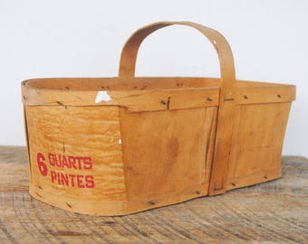 Vintage Produce Basket Wood Bottom Base 6 Quarts - Pintes