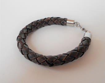 mens brown leather bracelet, 8mm braided leather cuff, stacking bracelet, unisex cuff bracelet, modern minimalist jewellery for him