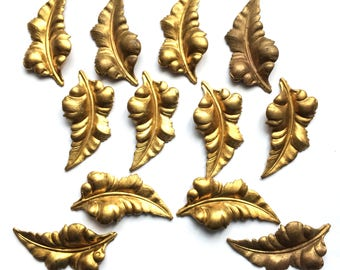Vintage Curved Leaves, 12 Piece, Dapt Oak Stampings, Jewelry Making, Patina, Vintage Jewelry Supplies, B'sue Boutiques, 44mm Long, Item02524