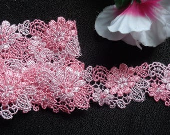 1 1/2 inch wide shade of pink lace trim price for 1 yard