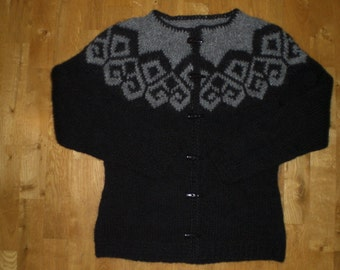 Icelandic wool sweater/cardigan with buttons, black and grey or black and white, XS-S-M-L-XL-XXL-3XL-4XL-5XL-6XL, made to order.