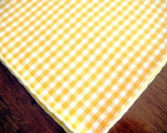 "8 Vintage Gingham Napkins, Yellow and White, Cotton 18.5"" x 16.5"""