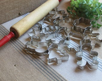12 pc set  Cookie Cutters christmas holiday vintage baking  Christmas cookie cutters