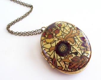 Arts and Crafts Style Oval Locket, Vintage Floral Botanical Locket, Enamel Gold Plated Photo Locket Pendant Necklace, Fall Jewelry