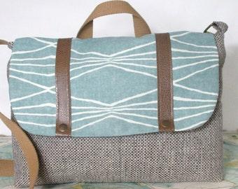 Colorado // Messenger bag // Crossbody // Laptop bag // Adjustable strap// Satchel// Vegan// Preppy // Southwestern // Mint // Ready to ship