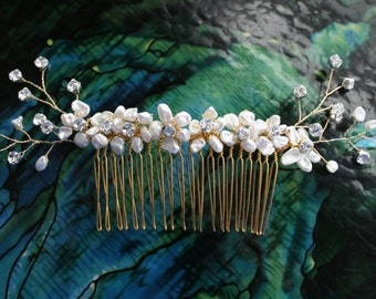 Bridal Pearl Hair Comb, Freshwater Pearl Hairpin, Gold Bridal Pearl Headpiece, Crystal Bridal Haircomb, Quinceanera headpiece