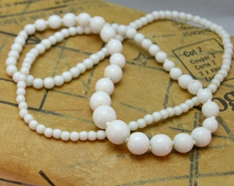 1950s White Beaded Necklace