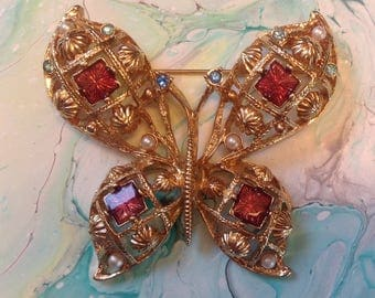 Large vintage Avon Goldtone Butterfly Brooch