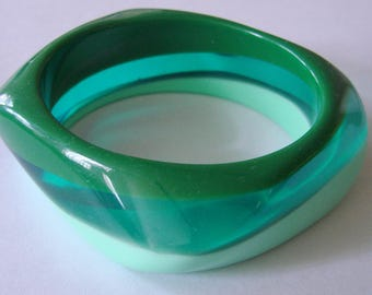 Chunky Vintage Layered Asymmetrical Lucite Bangle Bracelet Opaque Forest Green Light Green Translucent Blue/Green